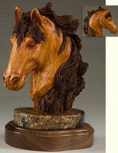 Smukt hestehoved i træ
