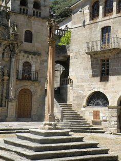 Cruceiro nas Ermidas, O Bolo (Ourense)