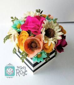 Custom Felt Flowers--Custom Flower Centerpiece--Flower Box--Felt Flower Arrangement--Gift For Her--Anniversary Gift--Valentine's Flowers