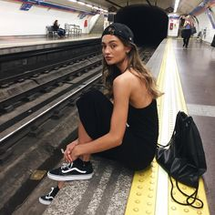 Find images and videos about girl, style and black on We Heart It - the app to get lost in what you love. Summer Outfits, Cute Outfits, Photo Portrait, Foto Pose, Tumblr Girls, Foto E Video, Ideias Fashion, Personal Style, Style Inspiration