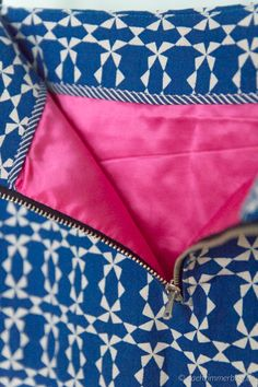 exposed zipper: lining detail with striped bias binding on facing  naehzimmerblog.de