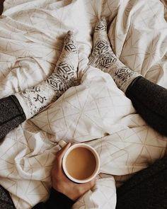 Cozy up to Friday. #regram @hannahmichelle_06
