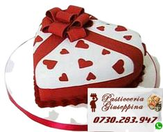 Tort de la Cofetăria Pasticceria Giuseppina Comanda direct pe WhatsApp : 0730283947 #cofetarie #dristor #mihai #bravu Valentines Baking, Valentines Day Cakes, Mini Tortillas, Fondant Cupcakes, Cupcake Cakes, Heart Cupcakes, Hart Cake, Heart Shaped Cakes, Holiday Cakes