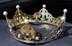 Baronial coronet. Brass with sterling bezels, onyx and mother of pearl cabochons. 2014.