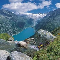Zillertaler Alpen, Tirol in summer. Tirol Austria, Vienna Austria, Beautiful World, Beautiful Places, Europe Centrale, Heart Of Europe, Wonders Of The World, Places To See, Scenery
