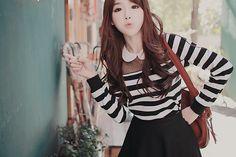 jolie fille avec de jolis vêtements