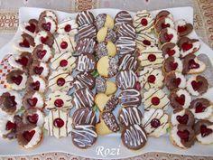 Rozi Erdélyi konyhája: Linzer Winter Food, Tiramisu, Breakfast Recipes, Food And Drink, Sweets, Cookies, Cake, Christmas, Crack Crackers
