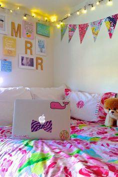 preppy lilly pulitzer dorm room | www.prepavenue | prep ave