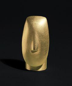 "Bruno Martinazzi: Ring ""Kikladen Code"", 1980. 20 carat yellow gold, 18 carat red gold. 3.8 x 2 cm."