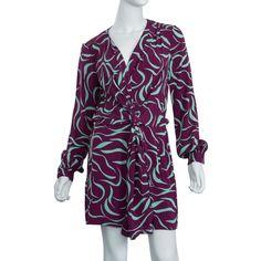 Pre-owned Diane Von Furstenberg Dora Lily Crepe Print Dress (2,115 EGP) ❤ liked on Polyvore featuring dresses, prints, longsleeve dress, v neckline dress, lining dress, purple dresses and v neck dress