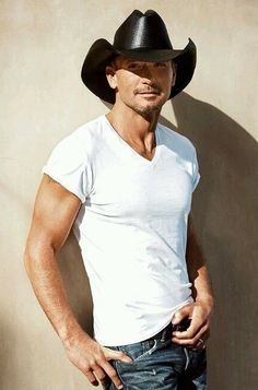 You need to check out our photos of today's best looking men in Country music. Try not to stare too long at picture number Male Country Singers, Country Music Artists, Country Music Stars, Hot Country Men, Country Boys, Tim Mcgraw Faith Hill, Tim And Faith, Timmy Time, Kenny Chesney