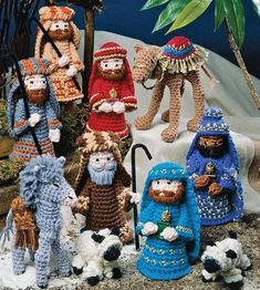Christmas Nativity Scene, Christmas Tree Decorations, Christmas Crafts, Christmas Ornaments, Christmas Crochet Patterns, Holiday Crochet, Christmas Knitting, Crochet Turtle, Crochet Doll Dress