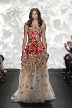 20 Floral Wedding Dresses That Will Take Your Breath Away - Naeem Khan Spring 2015