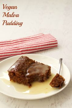 There is truly something special about Malva pudding, a real treat during the cold winter months. Served hot with some custard drizzled over. I can almost taste it! Learn how to make this proudly South African Pudding, you will fall in love. Vegan Treats, Vegan Desserts, Vegan Recipes, Dessert Recipes, Curry Recipes, South African Desserts, Vegan Whipped Cream, Coconut Cream, Coconut Oil