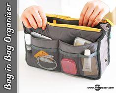 Bag in Bag Çanta İçi Düzenleyici ile çantanızı düzene sokmak ve çanta değiştirmek çok daha kolay ve hızlı!  11 Gözlü Çanta Düzenleyici 2'si fermuarlı toplam 11 gözüyle çantanızdaki dağınıklığı kolayca giderebil