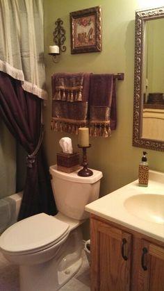 Love this small bathroom.