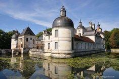 """Chateau de Tanlay (Francja). Znany z filmu """"Markiza Angelika"""""""