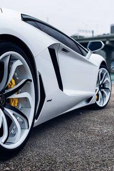 Lamborghini Aventador un carro maravilloso                                                                                                                                                      Más
