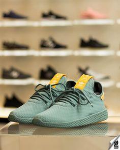 online store 1dd33 41949 Colaboração da adidas Originals X Pharrell Williams, o tênis HU é inspirado  nas quadras de