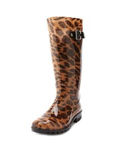 Kinda totally in love with these... even though I kinda despise rain boots. what a dilemma. ---> Look forward to raining days! Leopard-Print Rainboot