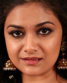Indian Actress Hot Pics, Most Beautiful Indian Actress, Beautiful Actresses, Cute Beauty, Beauty Full Girl, Beauty Women, Indian Eyes, Samantha Pics, Bollywood Girls