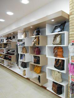 Execução de projeto para loja de sapatos, bolsas e acessórios.