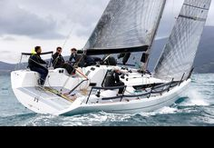 Italia 9.98 fuoriserie (Italia Yachts) specifications and details on Boat-Specs.com