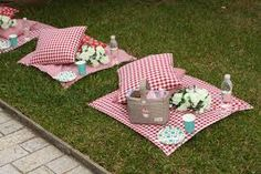 Individual picnic blankets for picnic theme Picnic Birthday, Bear Birthday, Picnic Theme, Festa Party, Diy Party, Picnic Style, Vintage Picnic, Bear Party, Decoration Table