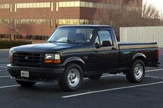 Ford Lightning -Sport truck -early nineties model. Small Ford Trucks, Cool Trucks, Big Trucks, Ford Lightning, Fords 150, Old Fords, Station Wagon, Ford Svt, Chevrolet Ss