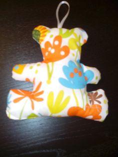 Infantil:oso con cascabel