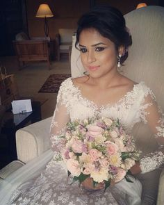 Risultati immagini per sri lanka white saree blouse Wedding Frocks, Modest Wedding Gowns, Bridal Dresses, Bridal Sarees, Bridal Bouquets, Wedding Bouquet, Hairdo Wedding, Wedding Sari, Wedding Bride