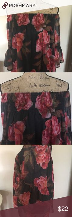 Beautiful ladies top by A.N.A.! Really pretty top by A.N.A. in size large! Never worn. Made of polyester and machine washable. Please note my mannequin isn't made perfectly straight so items don't always hang straight on her. All of my items ship quickly from a smoke free home. Bundle and save! Thanks for looking. a.n.a Tops