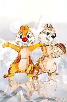 Swarovski Crystal Disney Chip 'N' Dale Chipmunk Sculpture Disney Figurines, Glass Figurines, Swarovski Crystal Figurines, Swarovski Crystals, Arte Disney, Disney Art, Disney Collector, Chip And Dale, Disney Home