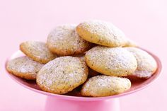 lemon and poppy seed biscuits  150g unsalted butter, softened  1 cup caster sugar  1 egg  2 cups plain flour  1 teaspoon baking powder  1 tablespoon poppyseeds  1 tablespoon finely grated lemon rind  1 tablespoon lemon juice  icing sugar mixture, to serve    http://www.taste.com.au/recipes/20190/lemon+and+poppyseed+biscuits