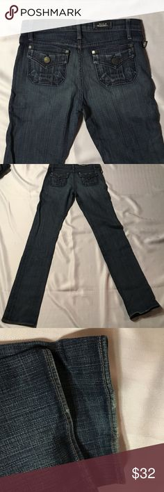 "Rock & Republic Straightleg Jeans Very good condition Rock & Republic straightleg jeans.  Hems in good condition see pics.  Inseam about 34"", rise about 7 3/4"". Smoke free, pet free home Rock & Republic Jeans"