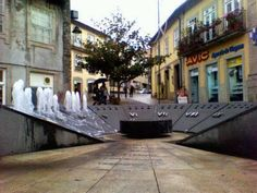 Boa noite :) O relógio de agua no Largo da Lapa de Arcos de #Valdevez - http://ift.tt/1MZR1pw -