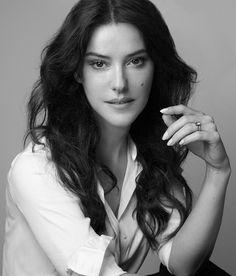 Lisa Eldridge nommée Directrice de la Création Maquillage de la Maison Lancôme http://www.vogue.fr/beaute/buzz-du-jour/articles/lisa-eldridge-nommee-directrice-de-la-creation-maquillage-de-la-maison-lancome/24654