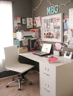 A great desk area