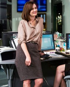 Fashion Cues: Learn Style Tricks From TV's Most Powerful Female Characters - MacKenzie McHale, The Newsroom  - from InStyle.com