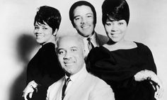 1960s soul singers | Cleotha Staples, right, with the Staple Singers in the 1960s ...