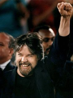 Bob Seger at a Pistons game in (The Detroit News) Detroit History, Detroit News, Runaway Train, Train Tour, Cool Lyrics, Bob Seger, Mayday Parade, Sound Of Music, 70s Music