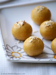 Microwave Besan Laddu Recipe - Microwave version of classic Indian sweet for ‪#‎Diwali‬! - What are you planning to make for this Diwali? :) - #sweets #indianfood #cooking #ladoo #deepavali - blendwithspices.com