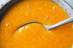 Maak een gouden mix – Het sterkste antibiotica middel. 1 eetl kurkuma, snufje zwarte peper, 100 gr honing, 2 eetl appelazijn, 1 theel geraspte citroenschil. Bereiding en gebruik staan op de website.