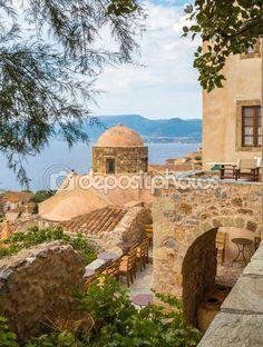 Monemvasia, traditional view of stone houses and sights — Stock Photo © elgreko #55931233