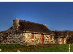 The Shieling by the Bay, Lochcarnan, South Uist, Outer Hebrides.  5* Luxury Traditional Thatched Cottage South Uist - Sleeps 2    http://www.cottages-in-scotland.com/cottage/The%20Shieling%20by%20the%20Bay-Lochcarnan-Isle%20of%20South%20Uist,%20Outer%20Hebrides