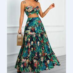 Trend Fashion, Fashion Mode, Look Fashion, Womens Fashion, Hippie Chic Fashion, Fashion Black, Latest Fashion, Winter Fashion, Maxi Skirt Crop Top