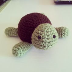 Crochet Crafts: Small Turtle Pattern (Adorable...I need to make this for Jake. ♡sj)