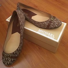 Micheal Kors ballet flats Worn once. No sign of wear on the inside outside tip or back of shoe. SUPER CLEAN. I can take more photos if anyone would like :)  they are in perfect condition. Size 7.   I loved them so much I bought them but they were to big for me. Michael Kors Shoes Flats & Loafers