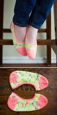 Skimmer Socks Revisited Free Pattern 2019 Free Knitting Pattern The post Skimmer Socks Revisited Free Pattern 2019 appeared first on Yarn ideas. Hand Knitting Yarn, Easy Knitting, Knitting Stitches, Knitting Patterns Free, Knitting Socks, Free Pattern, Knitting Tutorials, Knitting Machine, Pattern Design