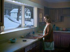 """""""Woman at sink clean"""", 2014 de Gregory CREWDSON - Courtesy Galerie Templon © Photo Éric Simon"""